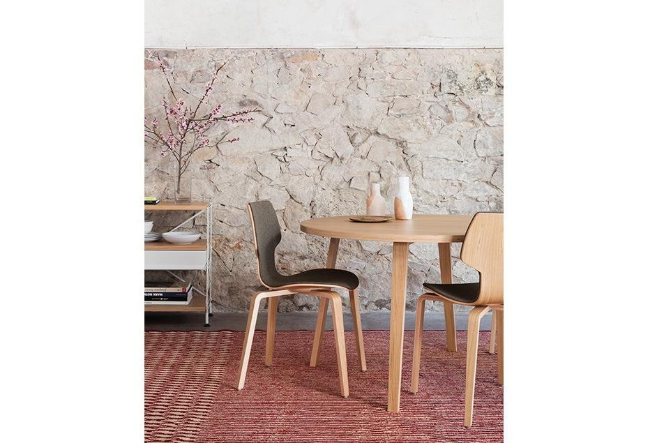 Conjunto de sillas y mesa Gràcia